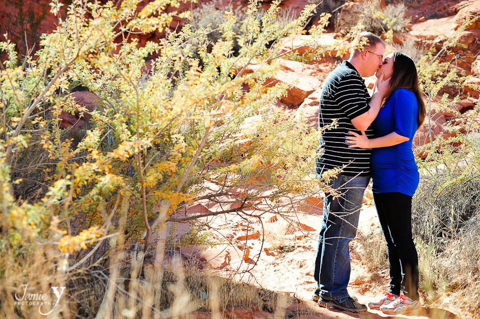 Portrait Session | Mahailey & Mark | Valley Of Fire & Neon Museum