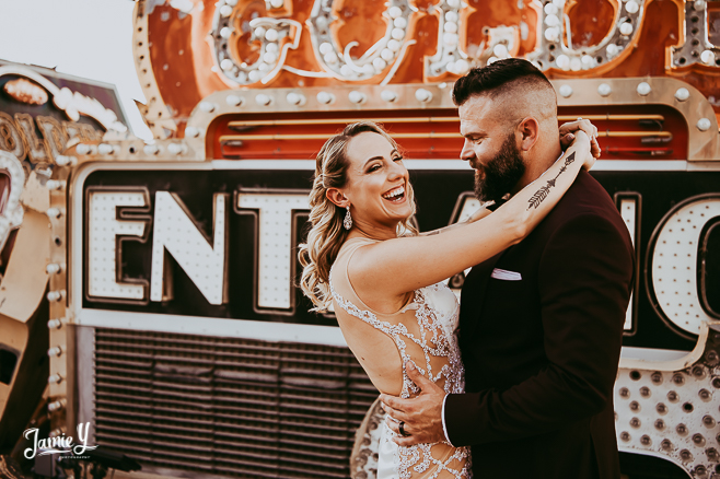 Vegas Neon Signs Wedding Pictures | Dave & Alyse