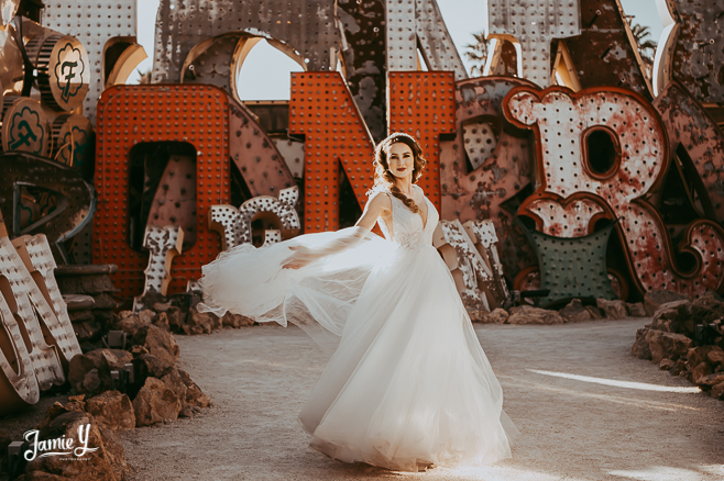 Neon Museum Wedding Pictures | Karolina & Cory